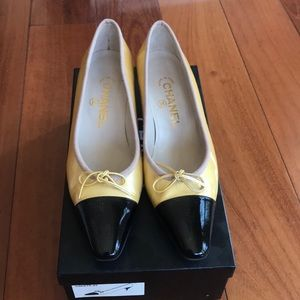 Vintage Chanel Kitten Heels (Patent Leather)